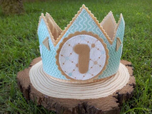 Coroa de celebração do mês do bebé